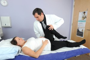 osteopathy treatment for back pain, sciatica, pulled muscle,neck and shoulder aches for professionals, retired people,sports people, drivers,pregnant women and babies